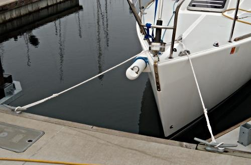 tips on tying your boat to the dock boating safety tips tricks thoughts from captnmike