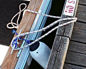 How-to-Tie-Your Boat-to-a-Bull-Rail–Part-2-Step-2
