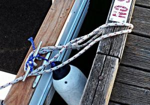 How-to-Tie-Your Boat-to-a-Bull-Rail–Part-2-Step-4