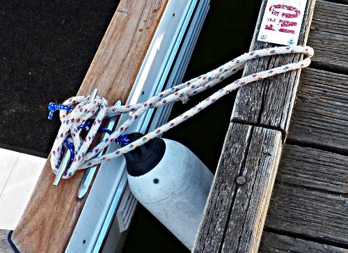 How-to-Tie-Your Boat-to-a-Bull-Rail–Part-2-Step-5