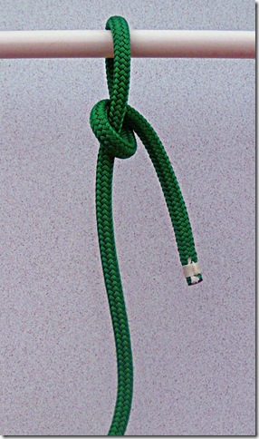 Spilled-Hitch-Bowline-Step-1