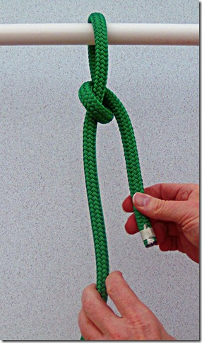 Spilled-Hitch-Bowline-Step-2
