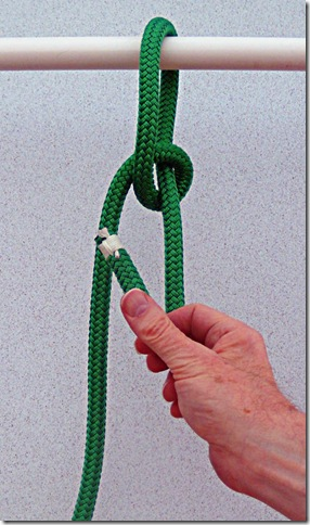 Spilled-Hitch-Bowline-Step-3