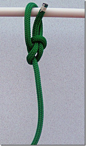 Spilled-Hitch-Bowline-Step-5