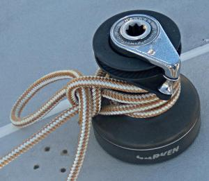 Towboat / Capstan Hitch tied on a sailboat winch