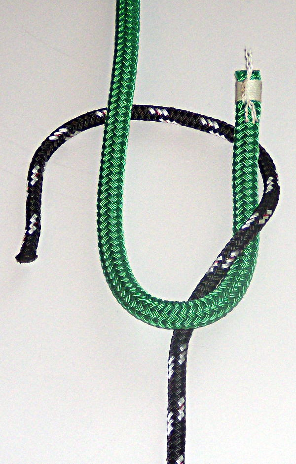 How To Tie The Sheet Bend and Double Sheet Bend (2/6)