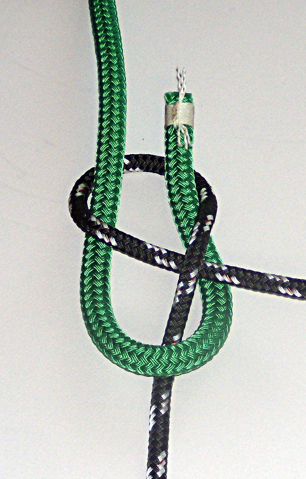 How To Tie The Sheet Bend and Double Sheet Bend (3/6)