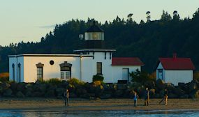 06-Point No Point The Point No Point Lighthouse is the oldest lighthouse in Puget Sound. It was lighted on January 1, 1880 with a household kerosene lantern as the neither the lens nor the glass for the light had been delivered and the lighthouse buildings had not been completed. In 1915 the lens was changed to a larger fourth-order Fresnel lens. The lighthouse was struck by lightening and the lens damaged in 1931. The lens remained in service until 2006 when the Coast Guard replaced the lens with modern optics.